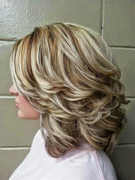 medium length hair style low lights highlights and lowlights for medium hair