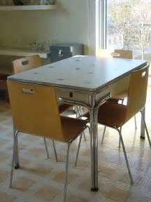 Vintage cracked ice formica top kitchen table dinette breakfast sets