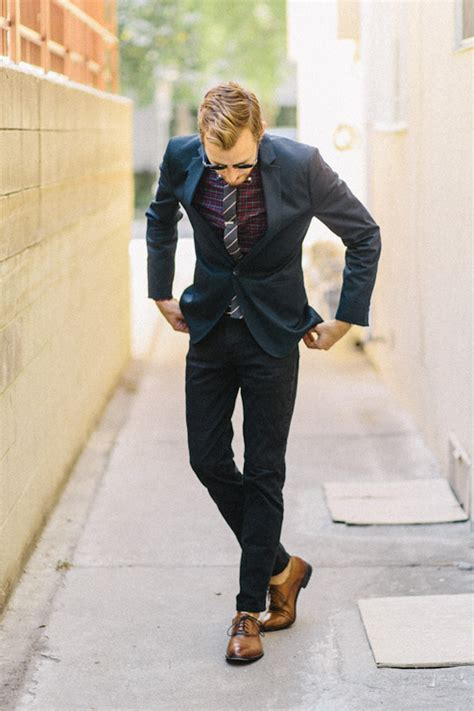 oxford shoes with suit slim cut navy suit brown oxford shoes and no socks
