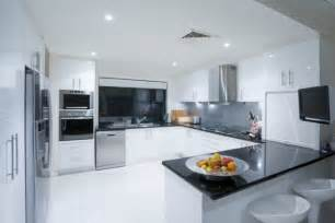 G Shaped Kitchen Layout Ideas by Defining Kitchen Lay Out S Flooring