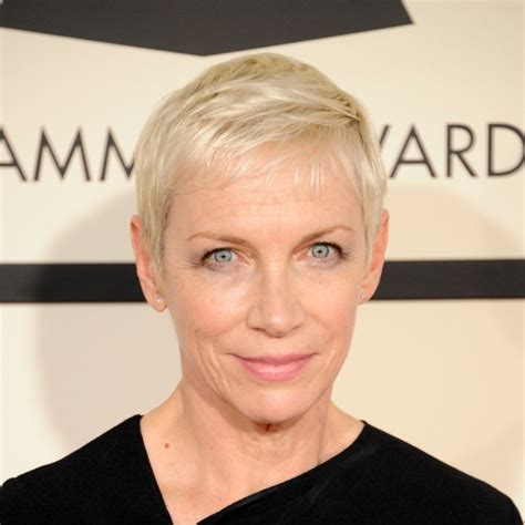 hairstyles    short cropped hairstyle woman