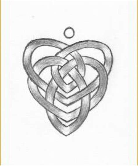 celtic knot of motherhood tattoo designs celtic motherhood knot ideas