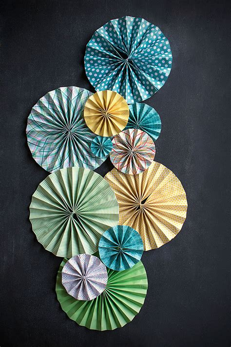 How To Make A Paper Fan For Weddings - diy paper fans weddings ideas from evermine