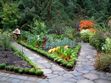 Wedge Shaped Vegetable Garden Image Credit Heronswood Cool Vegetable Gardens