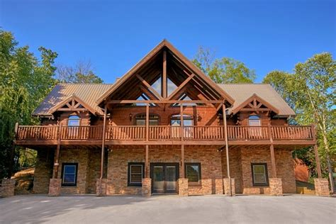 6 bedroom cabins in gatlinburg 6 bedroom cabins in pigeon forge tn cabin plans ideas