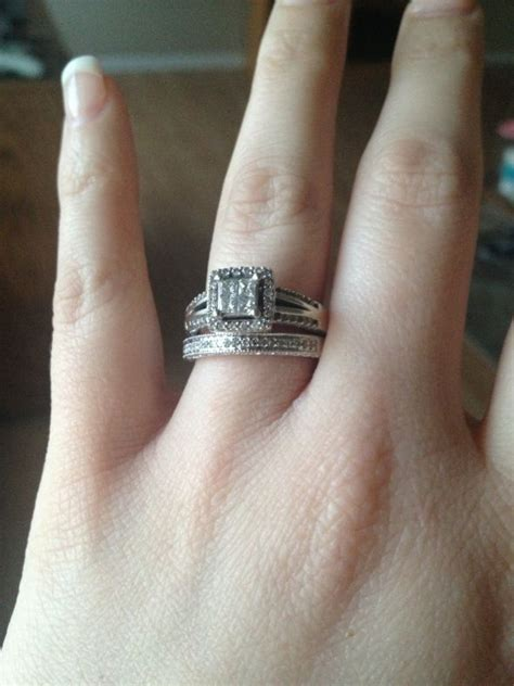 anyone s wedding band not match their engagement ring