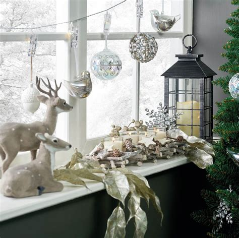 waiting for santa decorate your windows for christmas