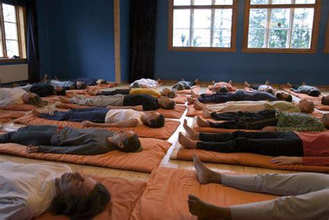 imagenes yoga nidra yoga crecimiento espiritual el yoga nidra