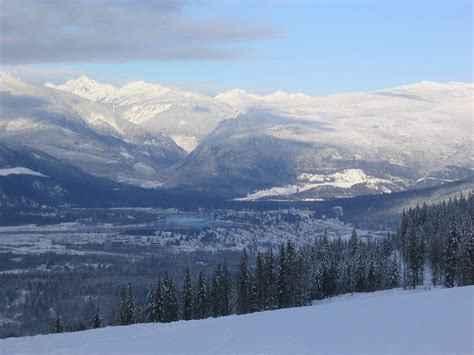 file revelstoke in winter jpg wikipedia