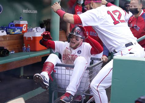 boston red sox score  runs   hits  win alex