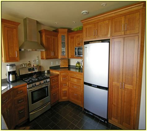 Kitchen Cabinets Different Heights Shaker Kitchen Cabinets Crown Molding Home Design Ideas