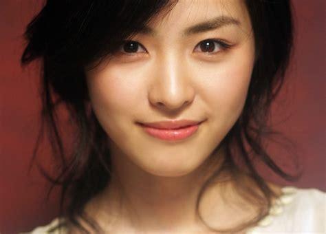 korean actress born in 1990 go ara cute korean photos celebrities