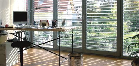 Fenster Sichtschutz Auf Knopfdruck by Vernetzung Fenstern T 252 Ren Und Sonnenschutz
