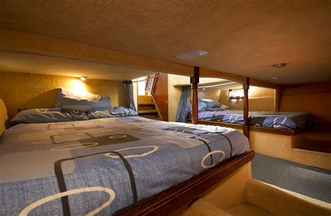 houseboat bed sheets luxury houseboat hire leaders in houseboat hire on the