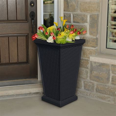 Wellington Tall Patio Planter Planters And Windowboxes Outdoor Planters