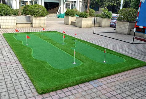 building a putting green in your backyard golf backyard putting green ideas designing idea