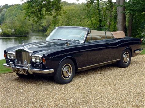 rolls royce corniche convertible rolls royce corniche convertible black color center car