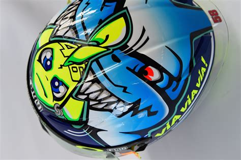 Helm Vr46 valentino und der haifisch helm