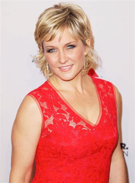 amy carlson hair amy carlson picture 4 elton john aids foundation s 12th