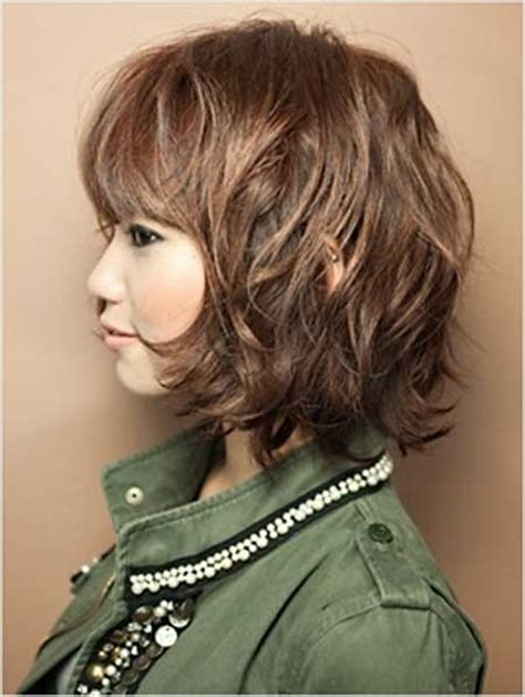 pictures of short light brown hair 25 short wavy hair ideas short hairstyles 2017 2018