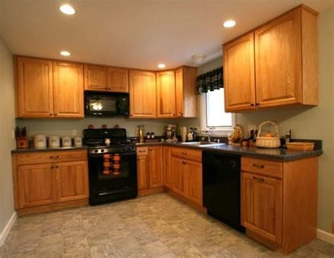 kitchen paint colors with oak cabinets and black appliances 71 best kitchens golden oak ideas images on