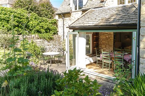 robin cottage chipping cden cottages
