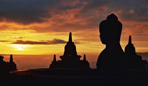 visit indonesia borobudur temple yogyakarta