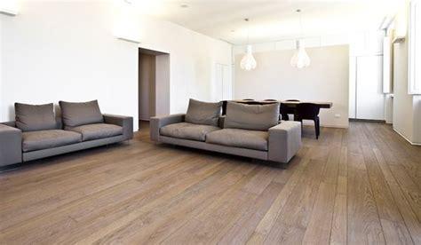 pavimento in tavole di legno 17 migliori idee su finitura pavimento in legno su