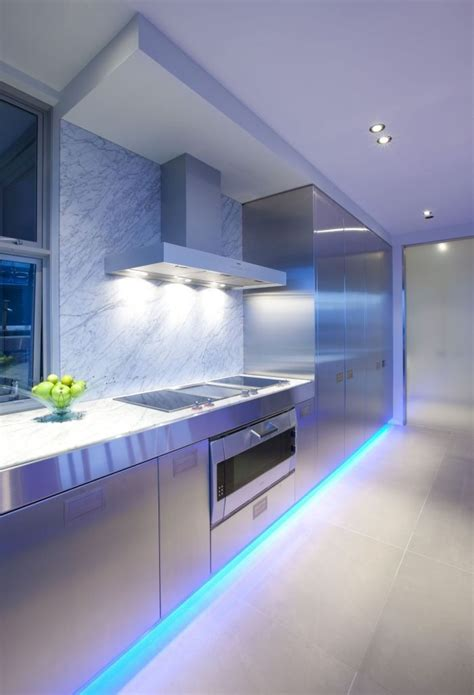 led kitchen lighting ideas ideas para iluminar la cocina con bombillas led decourban