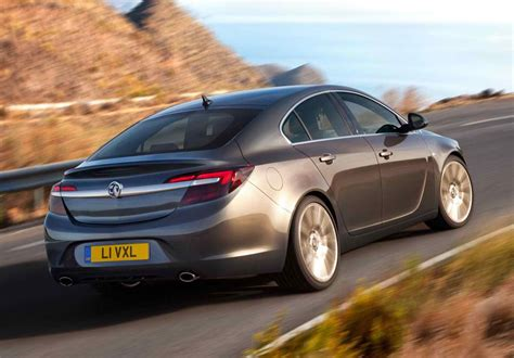 2014 vauxhall insignia review mpg price