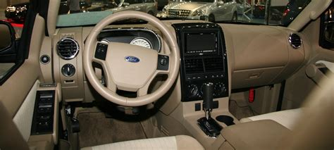 how to fix cars 2010 ford explorer interior lighting 2010 ford explorer information and photos momentcar