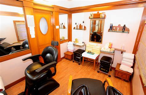 Makeup Salon Evergreen how much does it cost to start and operate a salon