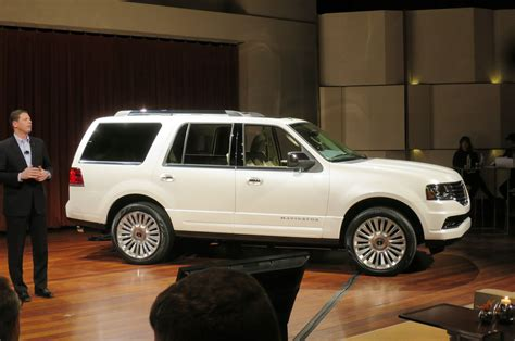 lincoln navigator back 2015 lincoln navigator first look motor trend