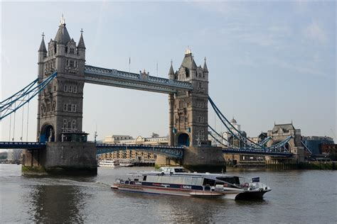 Thames Clipper Tower Bridge | thames clippers des bateaux sur la tamise 224 londres