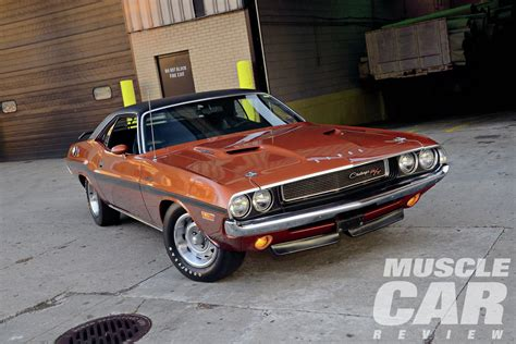 Muscle Car Review # 1: 1970 Dodge Challenger R/T   Red