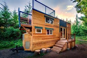 small home builders 204 sq ft mountaineer tiny home with rooftop deck