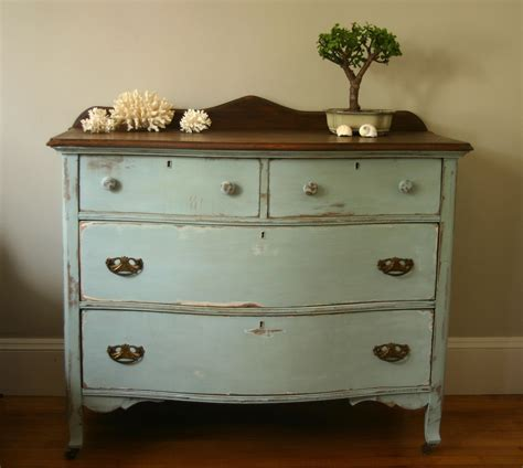 blue and white chalk painted dresser dresser update with annie sloan aubusson blue old white