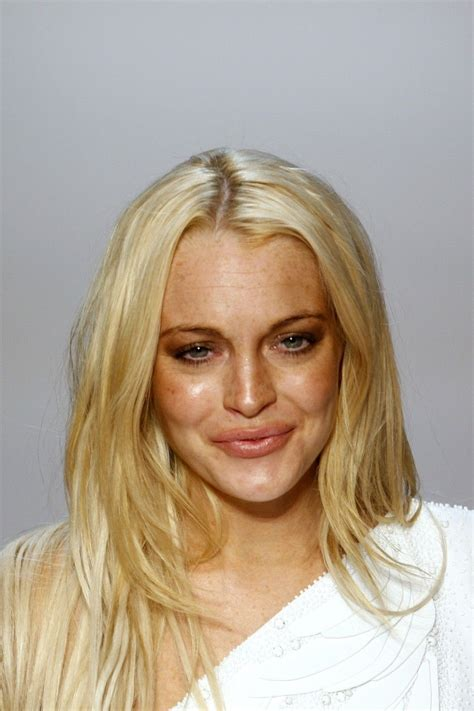 Lindsay Lohan Booed For Poor Hosting by Lindsay Lohan S Changing Shows Drastic Aging