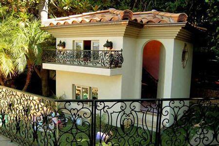 best dog house ever 10 extreme dog houses dog houses luxurious dog houses