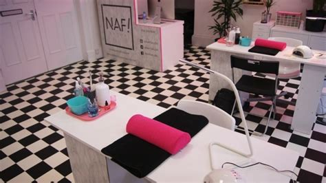 hairdresser in glasgow naf salon glasgow s quirky new nail salon