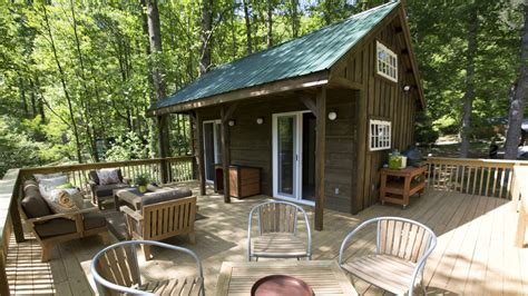 tiny house deck living inside a tiny eco home terrys fabrics s blog