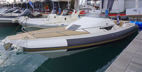 nuova jolly prince 28 sport cabin usato may day may day i ran out of fuel magazine