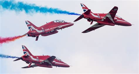 airshow news dunsfold wings wheels  date   uk airshow  news information