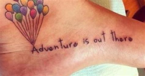 adventure is out there tattoo adventure is out there joli tatouage sur le pied du