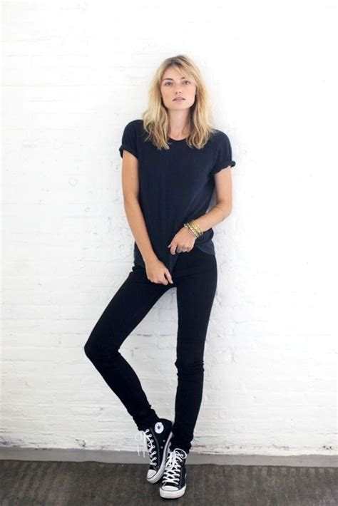 style trend black people a model off duty take on black skinny jeans and converse