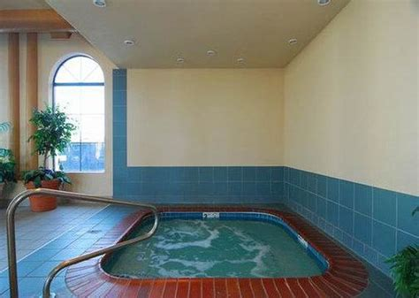 comfort inn with jacuzzi hot tub