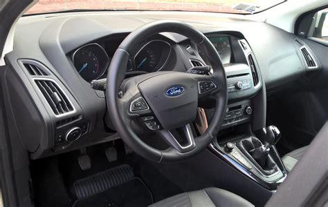 focus interni ford focus 1 0 ecoboost 125 cv la prova della compatta
