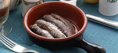 come cucinare il coccio pesce ricetta sardoncini al coccio cucinarepesce