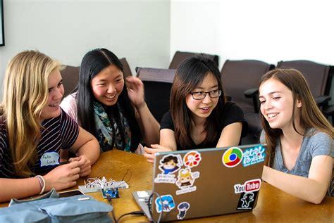 libro girls who code learn girls teaching girls to code