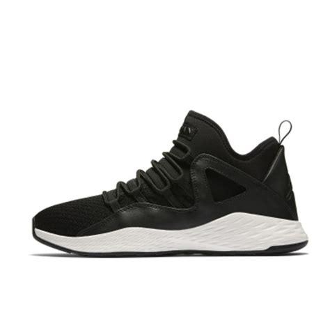 Sepatu Formula 23 White jual sepatu sneakers formula 23 black white